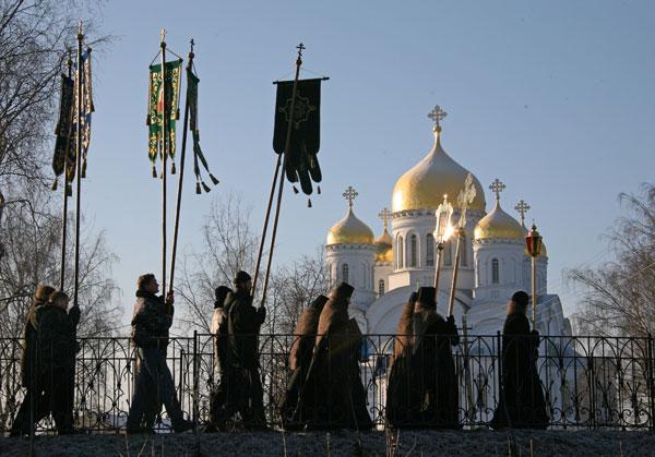 Diveevo, procesiunea pe Kanafka ( Drumul Maicii Domnului)