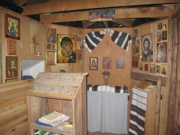 21 Biserica veche a schitului, stergare si icoane romanesti,  Nilus Island Alaska