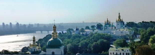 1. Kiev, Complexul monahal Lavra Pecerska (a Pesterilor)- adaposteste 140 sfinte moaste intregi