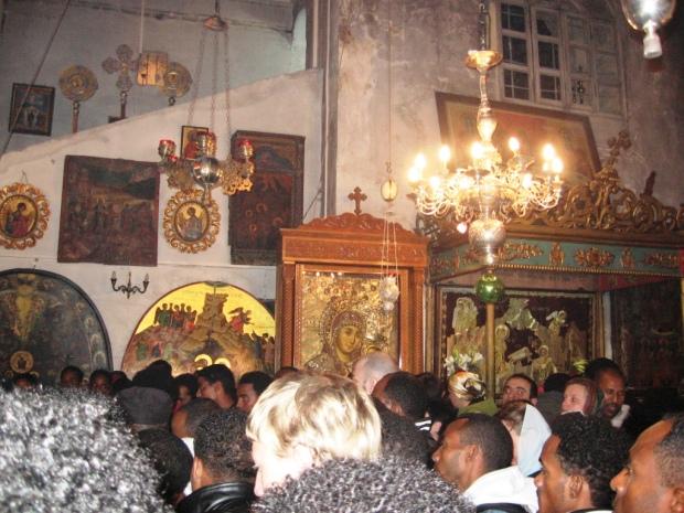 10 intrarea in Pestera Nasterii, sub altarul Bisericii din Bethleem