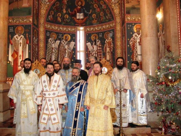 33 Hram la Asezamantul Romanesc din Ierihon, Nasterea Domnului ianuarie 2008