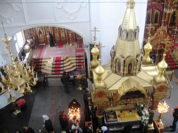 2 la sfintele moaste ale Sf Serafim de Sarov