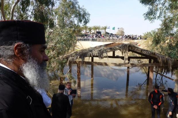 Ajunul Bobotezei, 18 ian 2013, ora 12, malul iordanian al Raiului Iordan