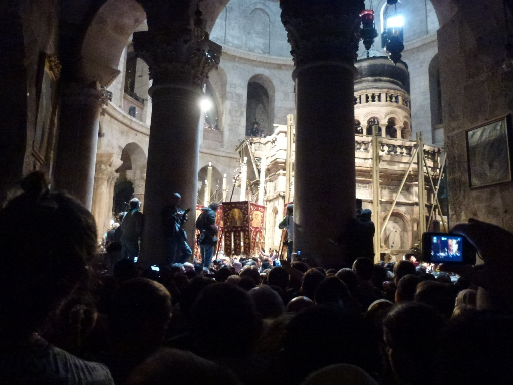 24. Sambata Mare, in Biserica Sf Mormant, ora 13,37  - 1
