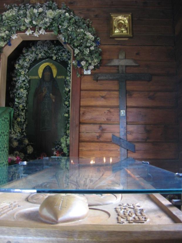 6 Sf Serafim de Virita, mormantul