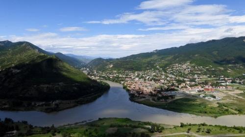 1. Orasul Mtskheta, capitala regatului Timpuriu de Iberia ( sec 3 iH - 5 dH), asezarea in care crestinismul a fost declarat religie de stat ( la anul 337)