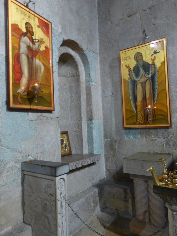12. Altarul inchinat Sf Prooroc Ilie - cu icoana Sf Ilie si a Dreptului Enoh