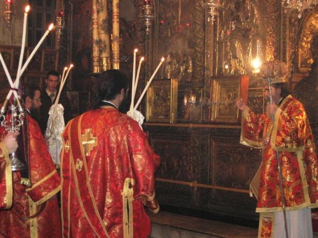 24 Biserica din Bethleem, slujba de Craciun 2009