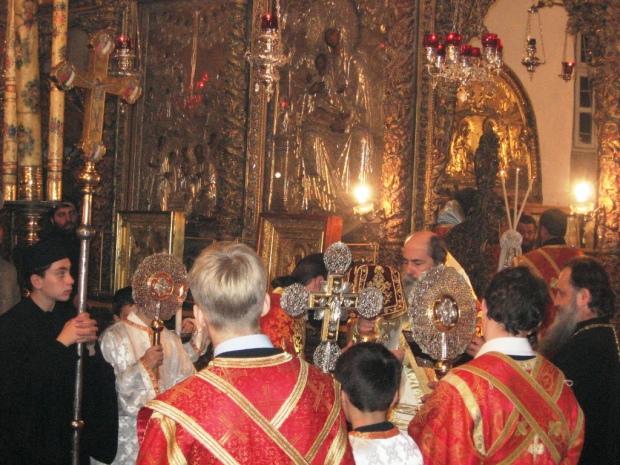 25 Biserica din Bethleem, slujba de Craciun 2009