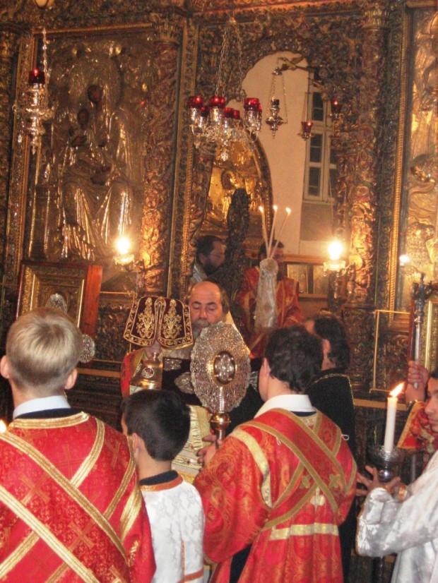 26 Biserica din Bethleem, slujba de Craciun 2009